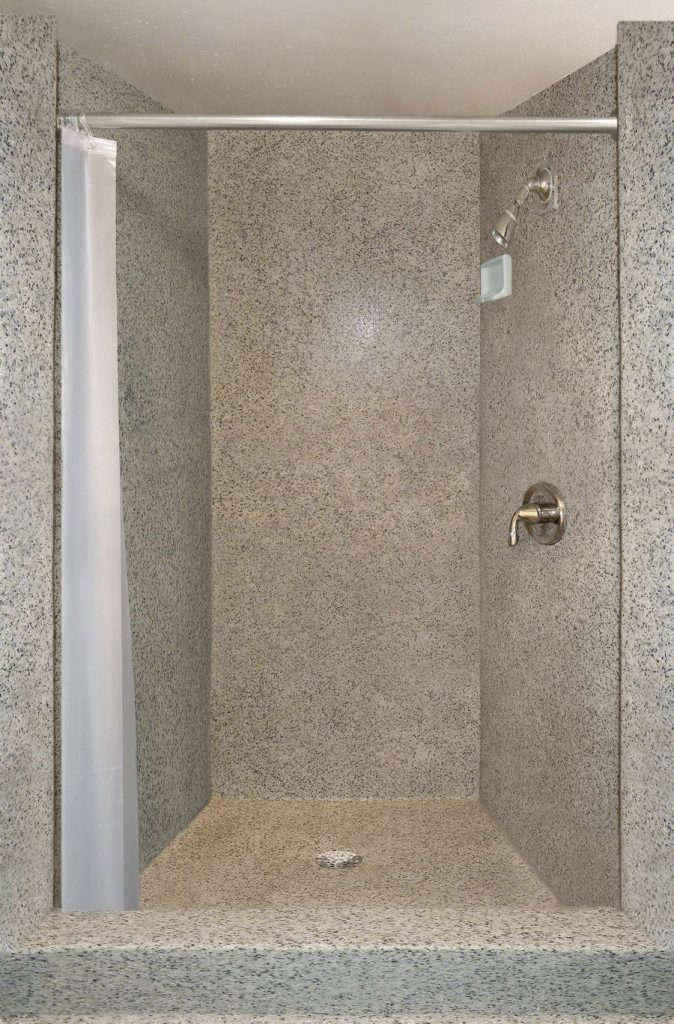 shower-wall-coating-900